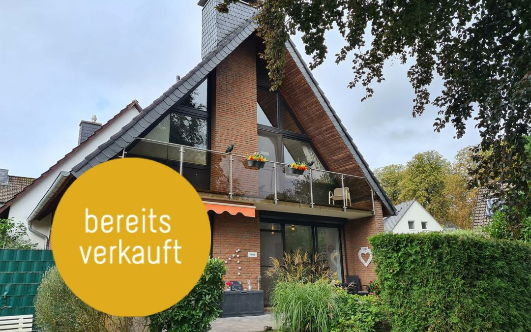 Großzügiges, freistehendes Einfamilienhaus in begehrter Wohnlage mit Garage und Carport