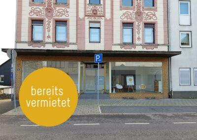Großzügiges Ladenlokal mit toller Fensterfront und zwei Stellplätzen in Heiligenhauser Innenstadt